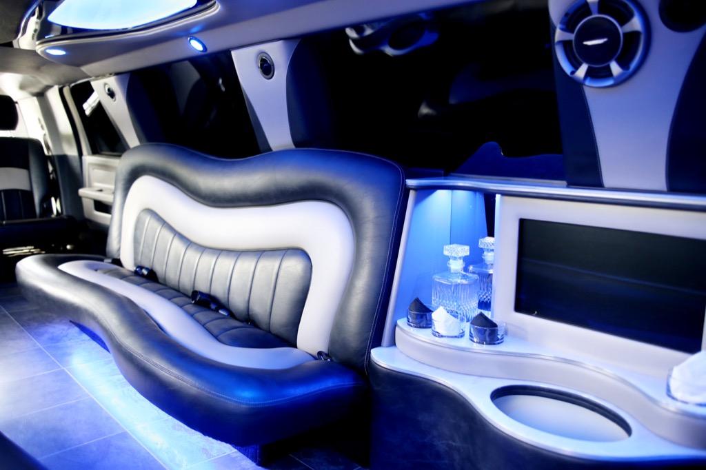 EL16 Stretch Dodge Ram