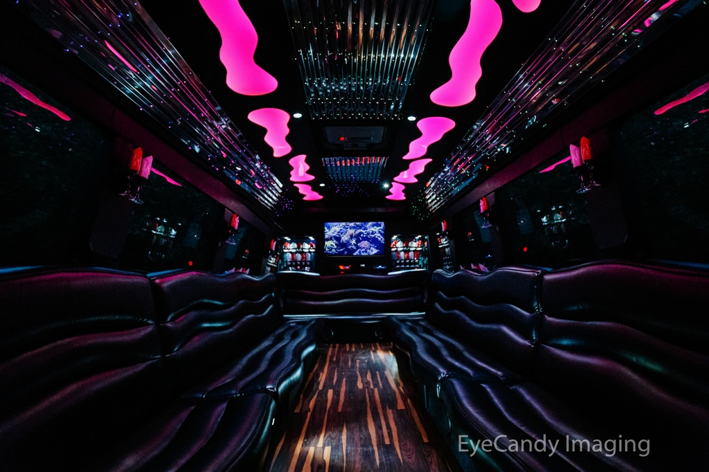 EL30 White Limo Party Bus
